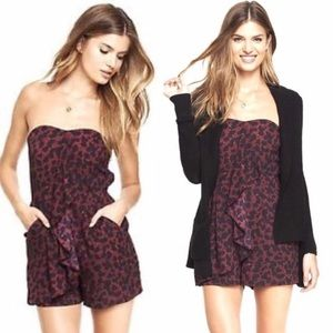 Take 50% off!!🌺 Ruffle Front Romper